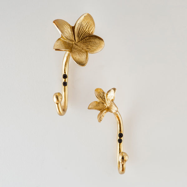 Flower wall hooks gold