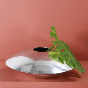 Silver vase : Topp Brass