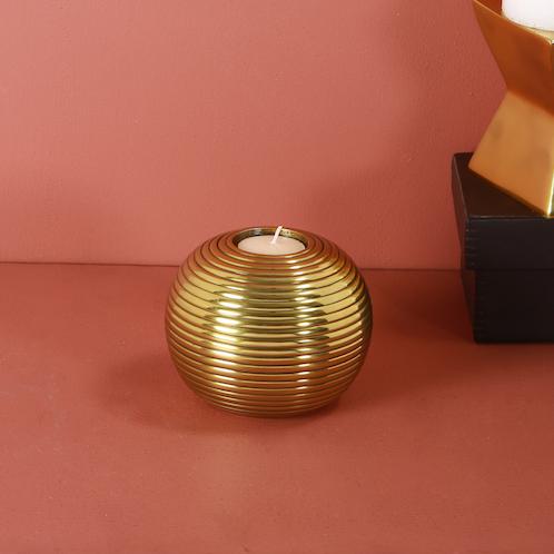 Gold t-light holder : Topp Brass