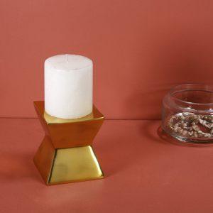 Gold candle pillar holder