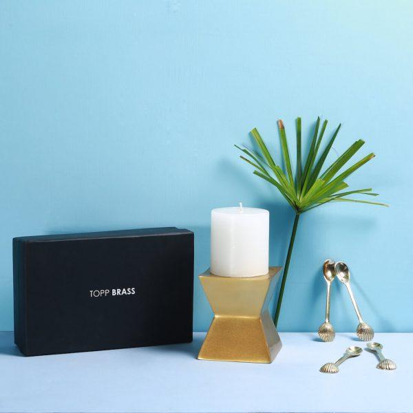 Rs 1500/- Gift box : Topp Brass